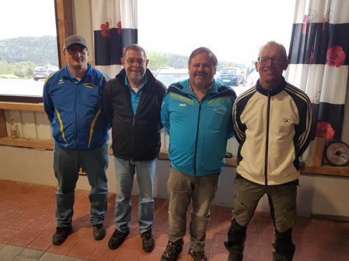 4. Platz Mannschaft Unter v.l. Michael Hirtreiter, Alois Holzer, Georg Wölfl, Christian Bachl
